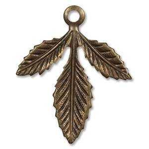 Vintaj Natural Brass - Fastenable - Triplasian Leaf 30x24mm