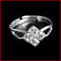 Diamante Ring Diamond Shaped - Adjustable